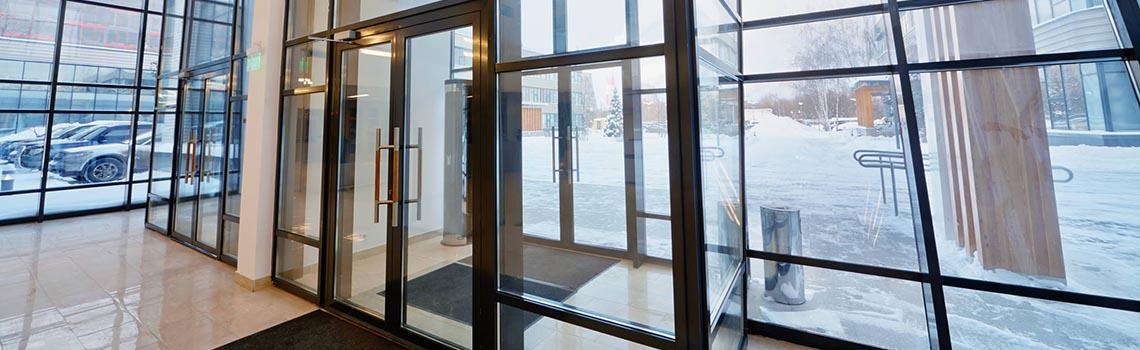 Алюминиевые двери